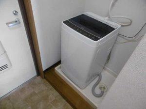 若草フェニックスマンションの洗濯機置き場